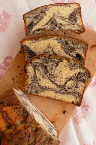 黒胡麻マーブルケーキ