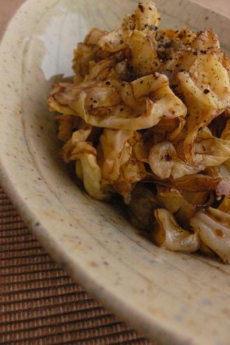 キャベツの炒めサラダ