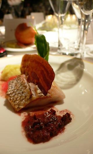 モリーヌ茸とオリーブのソース