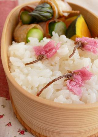 桜のお弁当