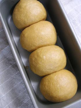 キャラメルミルクパン