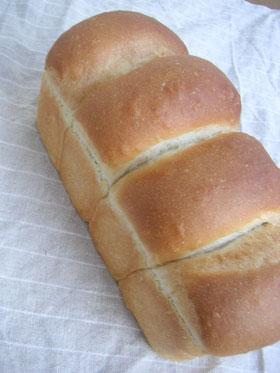 ミルクが入った食パン