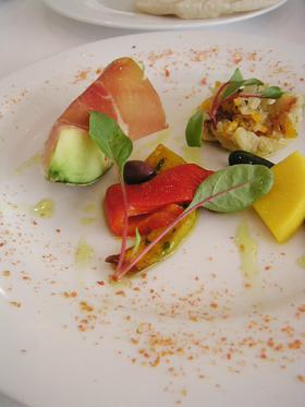 鮮魚のエスカベッシュと生ハムメロン